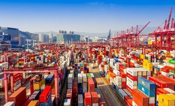 Congestion puertos maritimos-transporte internacional importacion